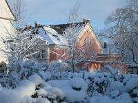 winter-kirchplatz